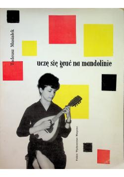 Uczę się grać na mandolinie