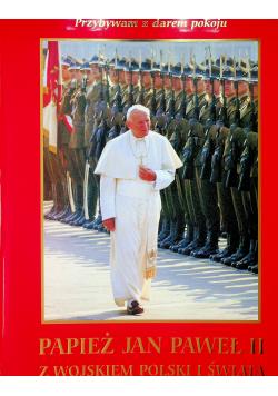 Papież Jan Paweł II z wojskiem polskim i świata