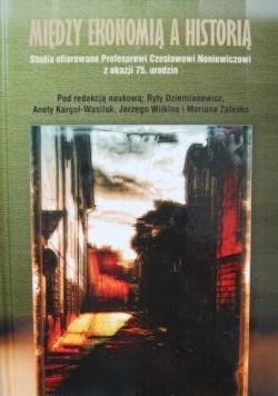 Między ekonomią a historią